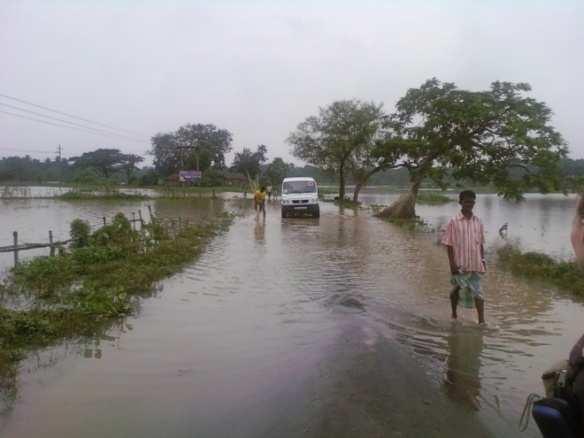 洪水 英語